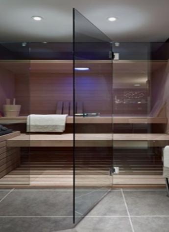 Стеклянная перегородка для бани в зажимном алюминиевом профиле